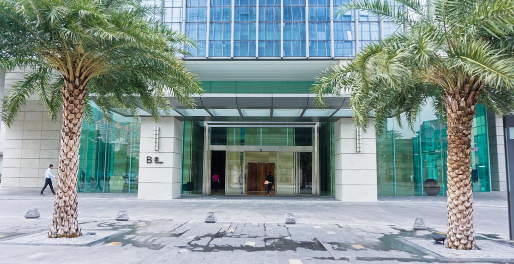 珠海市海绿环保科技有限公司,位于珠海市九洲大道西2021号(中海大厦),成立于2012年,具有广东省颁发的专项工程设计证书和运营证书。 公司主要面向于工业废水工程、市政污水处理、中水回用、废气工程等领域。专业从事环境影响评价、水土保持、环保工程设计、施工及环保设施运营管理,具备为客户提供咨询、环评、设计、施工、调试、运营管理等一体化优质服务能力的综合性环保公司。 公司一贯秉承客户第一的服务宗旨,依靠诚信、创新、质量、双赢的经营理念,与时具进,创造一流产品,践行一流服务。公司业务网络立足华南,面向全国